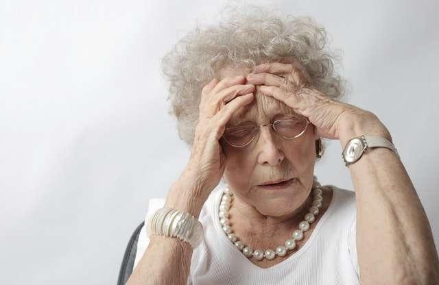 Mal di testa anziani
